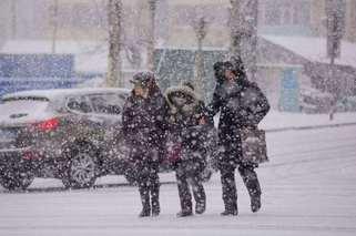 今冬首次寒潮來襲 南方大范圍雨雪開啟