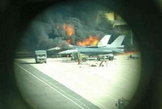 比利时F-16在基地被自家战机击中起火