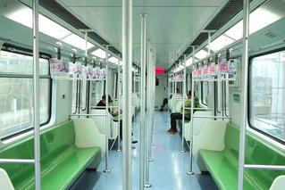 大年初一 上海地铁空荡荡
