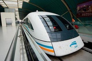 时速600公里列车下线 未来还用坐飞机吗
