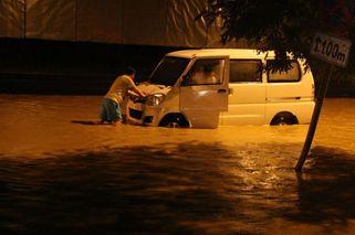 中国城市为什么经常出现洪涝?