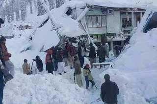 巴基斯坦雨雪灾害已致93死