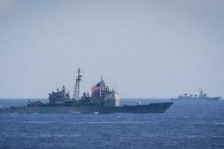 美日印搞海上演习 中国侦察船不远处现身