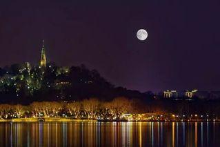 今年十五的月亮十五圆 啥时候拍最好