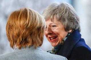 脱欧陷困境 英首相会见默克尔寻求帮助