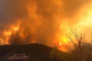 西昌森林火灾风速加大 多处复燃