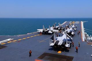 中国海军航母编队远海实兵对抗演练