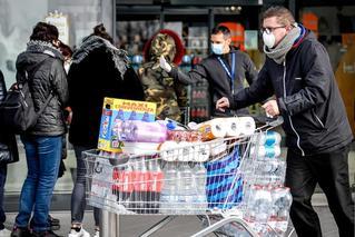 意大利确诊229例 11城封城超市被扫购
